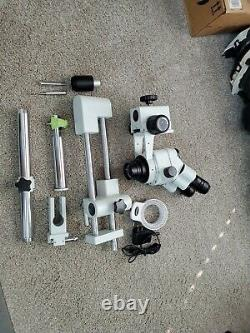 AmScope SM-4TP 7X-45X Simul-Focal Stereo Zoom Microscope on Dual Arm Boom Stand
